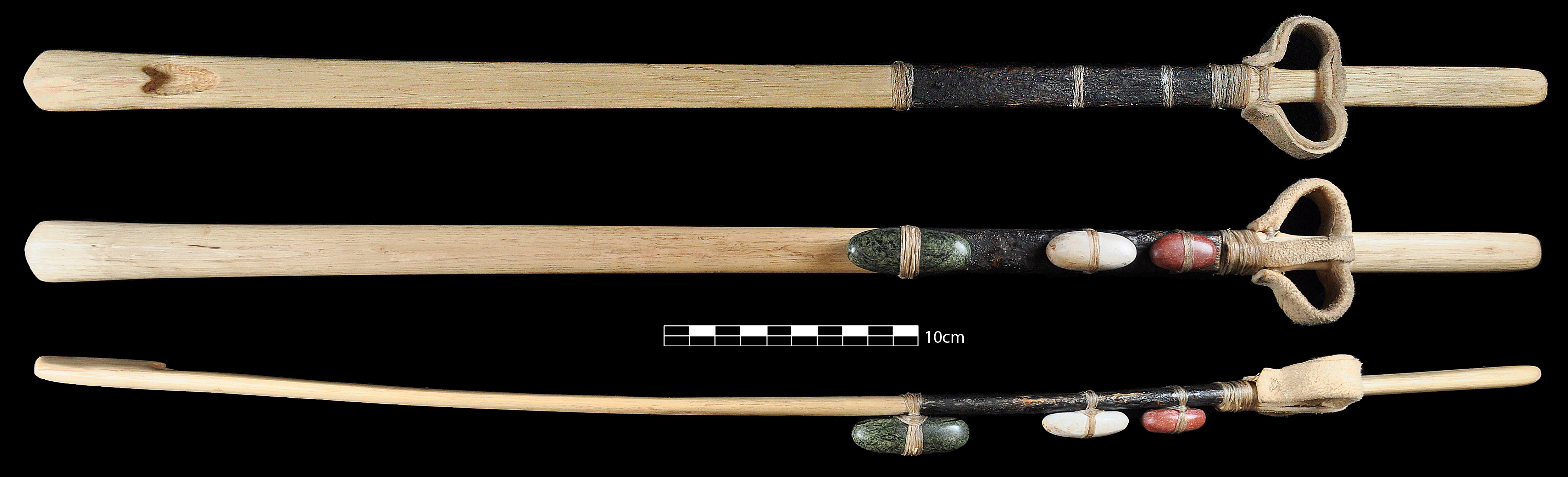 Replica of an atlatl excavated in White Dog Cave, Arizona. Image from Pettigrew and Garnett (2015).